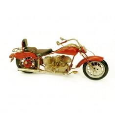 Moto antigua metal roja